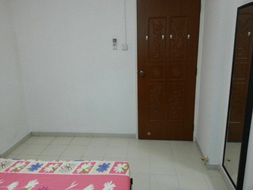 No agent fee fully furnished common room at SIMEI MRT - Simei - Bedroom - Homates Singapore